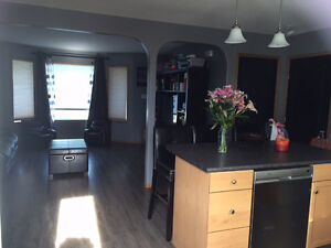 RENT REDUCED $1150 2-STOREY TOWNHOUSE  AVAIL AUG15/SEPT1