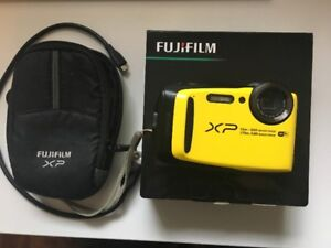 FUJIFILM FINEPIX XP90 CAMERA BUNDLE (WATERPROOF CAMERA)