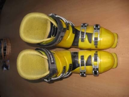 Dalbello  TX 907 ski boots