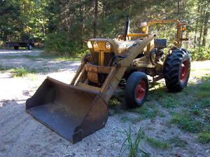 case 530 loader,gas engine,runs and drives perfect,1890 hrs
