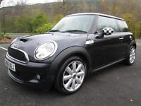 06/56 MINI COOPER S 3DR HATCH IN MET BLACK WITH HALF LEATHER