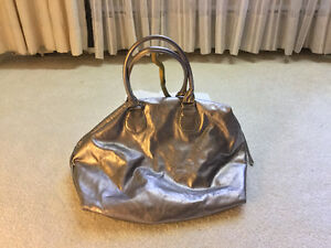 Stylish silver ladies purse Cambridge Kitchener Area image 1
