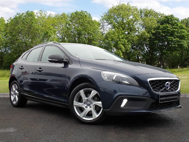 Volvo V40 CROSS COUNTRY 1.6 TD D2 Lux Powershift 5dr (start/stop) (blue) 2013