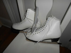 Daoust Canada Women's Figure Skates size 8 Made in Canada