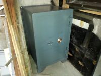 LARGE SECURITY FIRE RATED SAFE