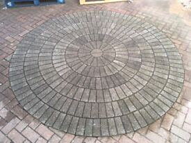 Block paving stone circle