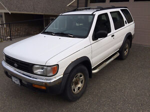 1999 Nissan Pathfinder Chilkoot Trail SUV, Crossover