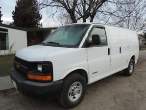 Chevy Express Cargo Van G2500 with 92,000 km