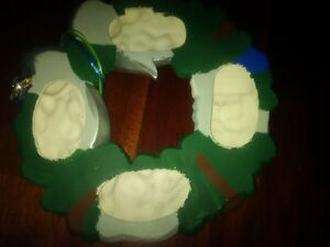 Whimsical Porcelain Santa Wreath - ONE OF A KIND KITCH! London Ontario image 3