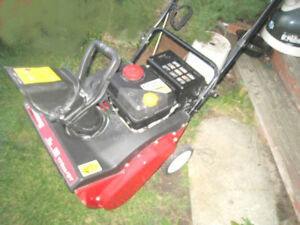 "AlmostNew Yard Machines 21"" 179cc Gas SnowBlower,Electric start"