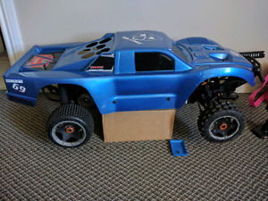 Hpi  baja 5t 3 bodies 2 speed