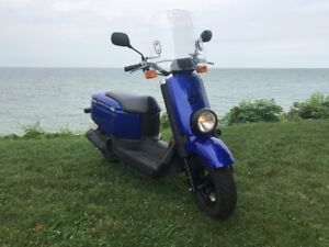 2007 Yamaha C3 C-CUBED XF50 Gas Scooter (Automatic Transmission)