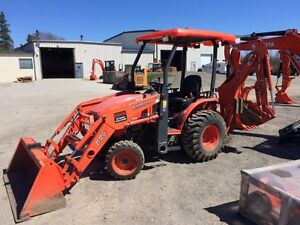 KUBOTA B26-Commercial Backhoe