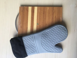 Silicone Quilted Oven Mitt  and meat cutting board
