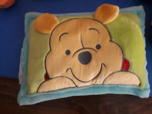 Winni the pooh baby pillow