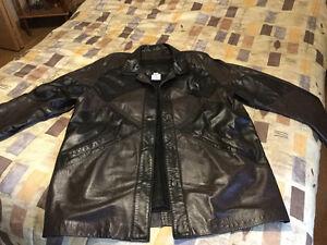 Manteau court de cuir véritable de qualité