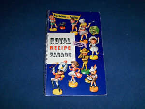 1942 ROYAL RECIPE PARADE COOK BOOKLET-STANDARD BRANDS-VINTAGE!