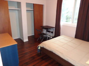 ~ Attention Students - Room for rent by NAIT - < 5 min walk ~
