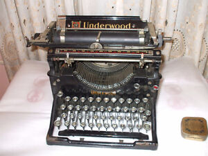Vintage Underwood Typewriter.