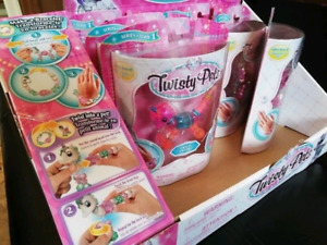 Twisty Petz - First Full Set of  18 WITH a Store Display Box