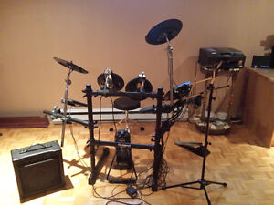 Complete Roland electronic drum set with amp