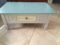 Coffee Table with Avoca Handle