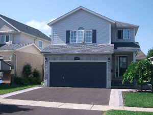 Great Family Home in the Ira Needles\Victoria St.- Kitchener Kitchener / Waterloo Kitchener Area image 1