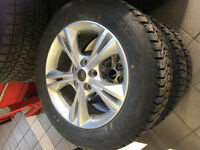 4 pneus Firestone Winterforce sur 4 mags