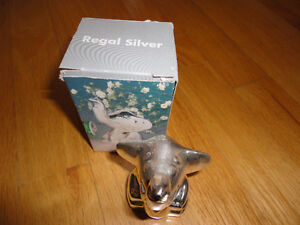 Brand new in box silver plated elephant bottle opener London Ontario image 8