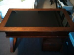 Buy Or Sell Desks In Ontario Furniture Kijiji