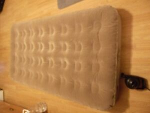 2 Coleman Air Mattresses (Twin Size) + Electric Coleman Pump