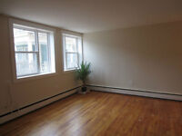 2 bedroom, South End, Aug 1st (TWR98)