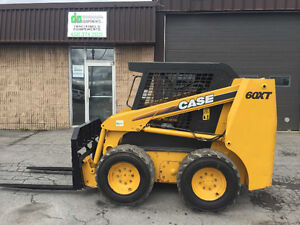 2003 Case 60XT + fourches ou bucket attache rapide *2379 heures