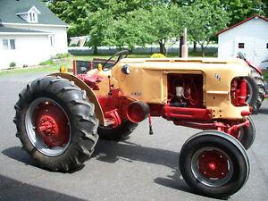 Tracteur Case 300-310 1957