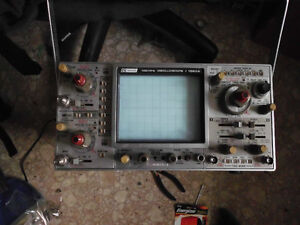 100MHz Dual Channel 4 trace Oscilloscope