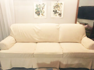 Couch Sofa - Simple, Classic, Lightly Used (PET FREE/SMOKE FREE)