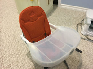 Adjustable height child's high chair