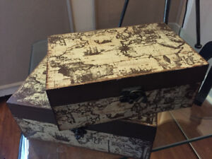 Home Decor - old map boxes, photo camera on tripod