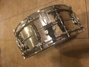 Tama 14x5.5 Stainless Steel Snare Drum w/ puresound wires