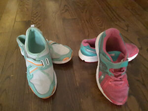 Youth girl  sneakers, Size 3