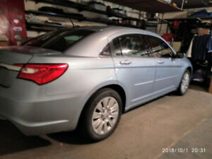 2013 Chrysler 200.  ONLY 39200km