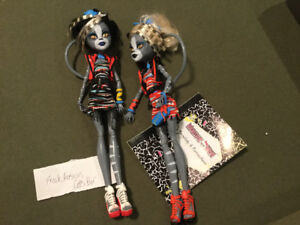 Monster High Freaky Fushion 2 Cats Pur Dolls