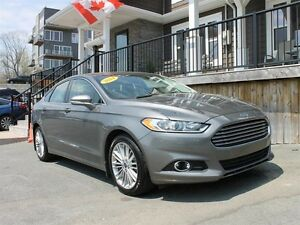 2014 Ford Fusion SE / 2.0L Ecoboost / Auto / **All Wheel Drive**