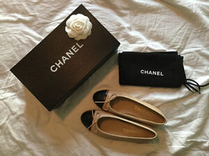 New Chanel flats in lambskin size 35 or 5 us
