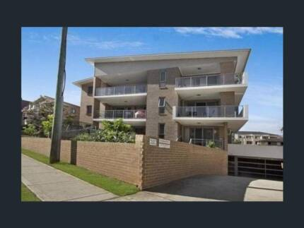 NICE 2BDR IN WESTMEAD AREA !!!