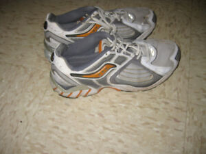 SAUCONY  HURRICANE Sneakers Running Shoes PRO GRID Arch Lock TRA
