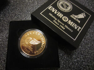 Attention Red Wings Fans! '98 Stanley Cup Collector Coin!!!