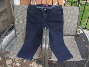 """Vintage Gloria Vanderbilt """"Amanda"""" Jeans - $10.00"""