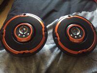 2x edge speakers