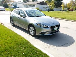 2014 Mazda 3 GS Low mileage push button start